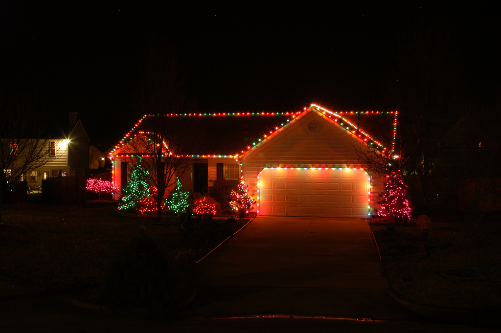 Rooftop Elves Is Your Choice For Outdoor Holiday Lighting